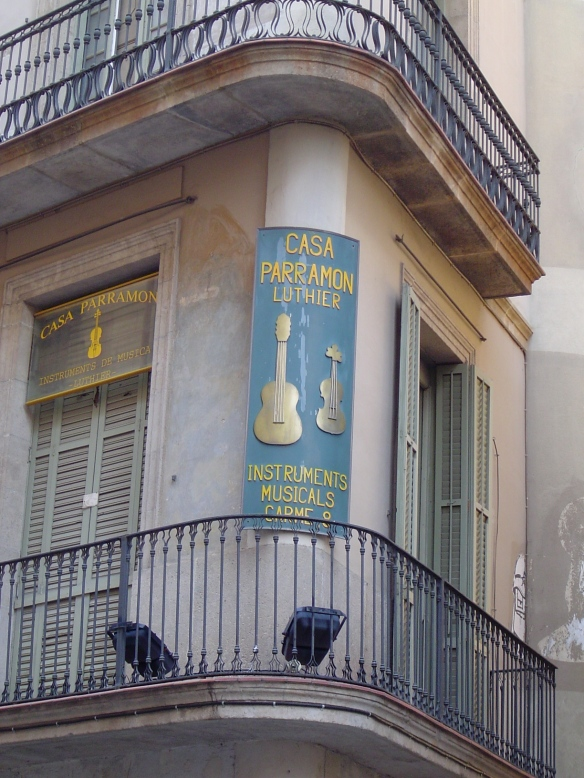 visit to barcelona lizzieallegro